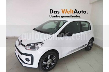 Foto Volkswagen up! Connect usado (2018) color Blanco precio $164,702