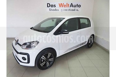 Foto Volkswagen up! Connect usado (2018) color Blanco precio $164,702