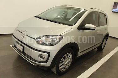Foto venta Auto usado Volkswagen up! cross up! (2017) color Plata precio $179,000