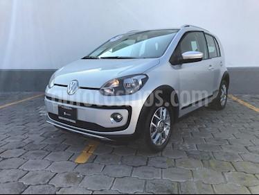 Foto venta Auto Seminuevo Volkswagen up! cross up! (2016) color Plata