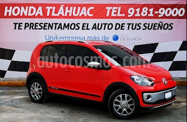 Volkswagen up! cross up! usado (2017) color Rojo Flash precio $165,000