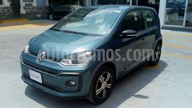 Volkswagen up! Connect usado (2018) color Azul Laguna precio $180,000