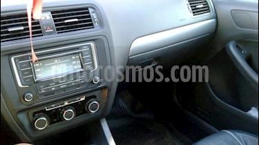 foto Volkswagen Vento 2.0 FSI Advance usado (2015) color Negro Universal precio $385.000