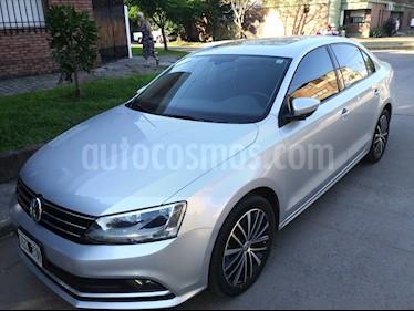 Foto Volkswagen Vento 2.5 FSI Advance Plus usado (2015) color Gris Platinium precio $480.000