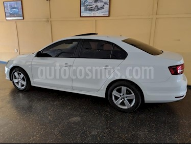 Foto Volkswagen Vento 2.5 FSI Advance Plus usado (2016) color Blanco precio $665.000