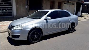 Foto venta Auto Usado Volkswagen Vento 2.5 FSI Luxury (170Cv) (2010) color Gris Platinium