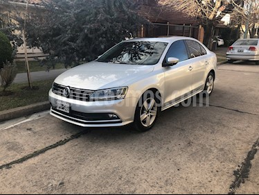 Foto Volkswagen Vento 2.5 FSI Luxury Tiptronic usado (2015) color Plata precio $700.000