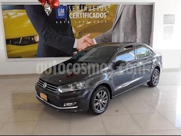 Foto Volkswagen Vento 4P HIGHLINETM5 CLIMATRONIC VE MP3 RA-15 usado (2016) color Gris precio $163,900