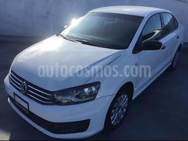 Foto Volkswagen Vento 4p Starline L4/1.6 Aut usado (2017) color Amarillo precio $150,000