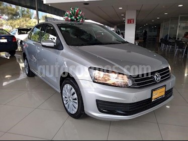 Foto Volkswagen Vento 4p Starline L4/1.6 Aut usado (2018) color Plata precio $169,900
