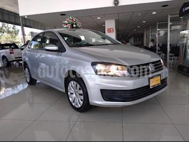 Foto Volkswagen Vento 4P STARLINE TM5 A/AC. MP3 R-15 usado (2018) color Plata precio $169,900