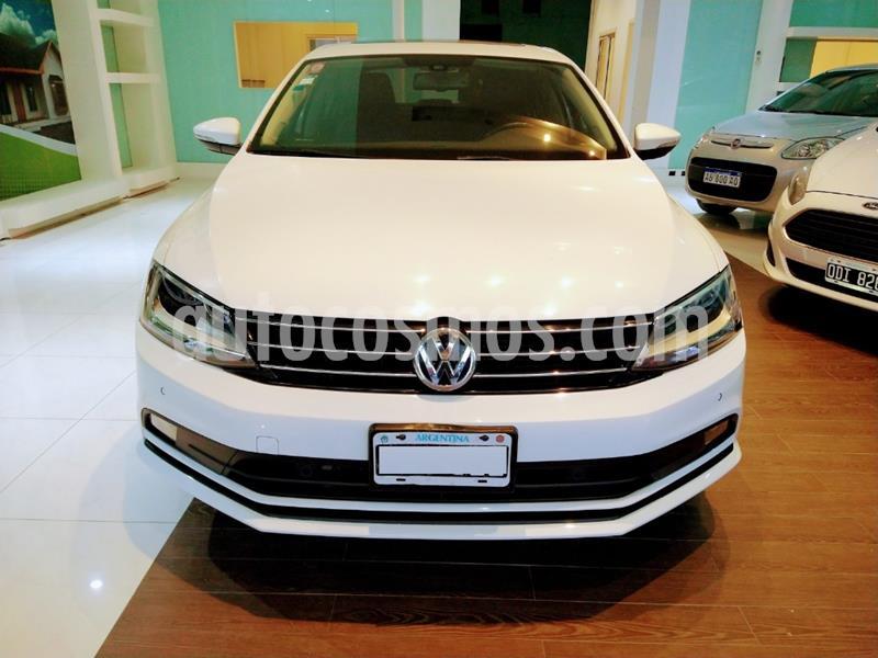 foto Volkswagen Vento 2.5 FSI Luxury Tiptronic usado (2015) color Blanco precio $1.350.000