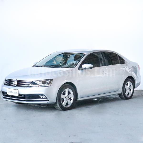 Foto Volkswagen Vento 2.5 FSI Luxury Tiptronic (170Cv) usado (2016) color Gris Platinium precio $1.298.000