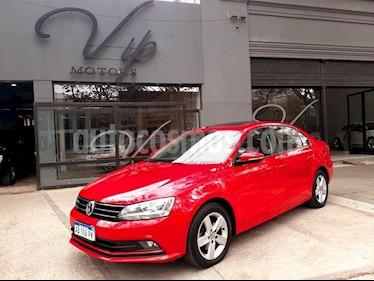 Volkswagen Vento 1.4 TSI Comfortline usado (2017) color Rojo precio $1.400.000