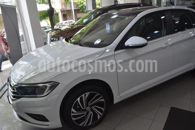 Volkswagen Vento 1.4 TSI Highline Aut nuevo color Gris Platinium precio $3.275.000