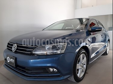 Foto Volkswagen Vento 2.5 FSI Advance Plus usado (2015) color Azul Seda