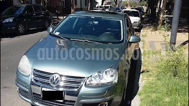 Volkswagen Vento 2.5 FSI Advance Tiptronic (170Cv) usado (2008) color Gris Platinium precio $650.000