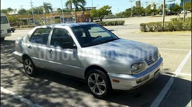 Foto venta carro Usado Volkswagen Vento CL L4 1.8i 8V (1998) color Plata precio u$s1.300