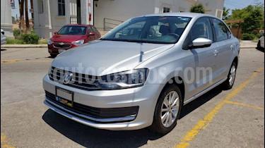 Foto venta Auto usado Volkswagen Vento Comfortline Aut (2018) color Plata precio $157,900