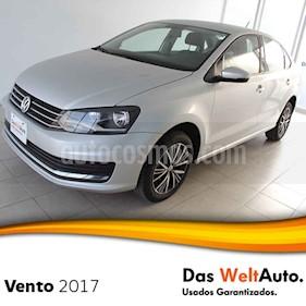 Foto venta Auto usado Volkswagen Vento Comfortline Aut (2017) color Plata precio $220,000