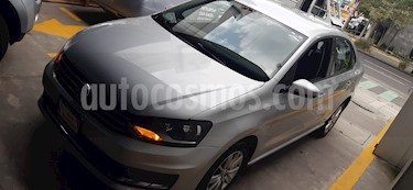 Foto Volkswagen Vento Comfortline Aut usado (2018) color Plata Reflex precio $184,000