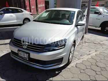 Foto venta Auto Seminuevo Volkswagen Vento Comfortline Aut (2017) color Plata precio $165,000