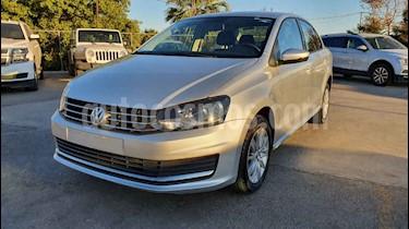 foto Volkswagen Vento Comfortline Aut usado (2018) color Plata precio $153,800