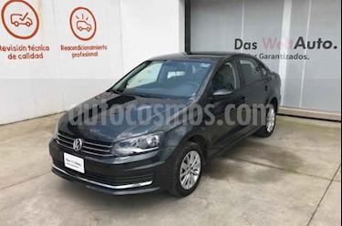 Foto Volkswagen Vento Comfortline Aut usado (2019) color Gris precio $220,000