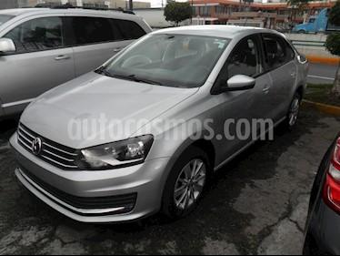 Foto venta Auto Seminuevo Volkswagen Vento Comfortline Aut (2017) color Plata precio $185,000