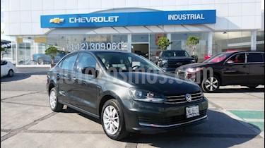 Foto venta Auto usado Volkswagen Vento Comfortline Aut (2018) color Gris precio $205,000