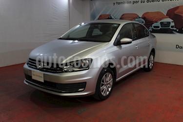 Foto Volkswagen Vento Comfortline Aut usado (2019) color Plata Reflex precio $219,000