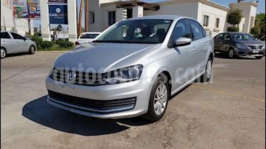 Foto venta Auto usado Volkswagen Vento Comfortline Aut (2018) color Plata precio $158,900