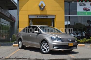 Foto venta Auto usado Volkswagen Vento Comfortline Aut (2016) color Beige Metalico precio $190,000