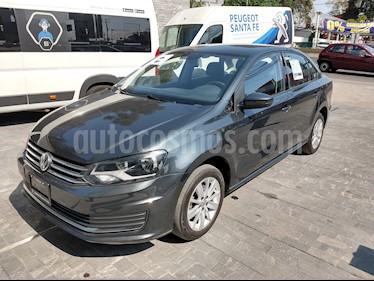 Foto Volkswagen Vento Comfortline Aut usado (2018) color Gris Carbono precio $172,000