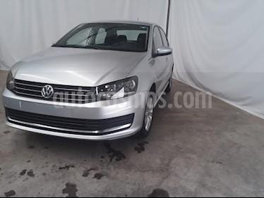 Foto venta Auto usado Volkswagen Vento Comfortline (2019) color Plata precio $210,000