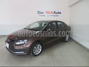 Foto venta Auto usado Volkswagen Vento Comfortline (2018) color Marron precio $215,748