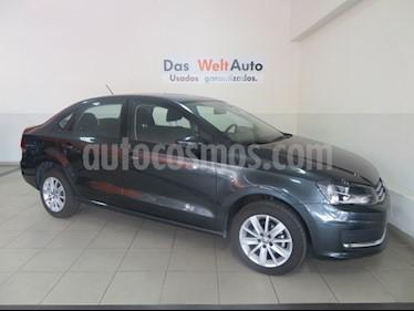 Foto venta Auto Seminuevo Volkswagen Vento Comfortline (2018) color Gris Carbono precio $208,657