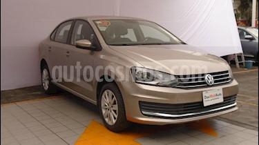 Foto venta Auto Seminuevo Volkswagen Vento Comfortline (2018) color Beige precio $213,000