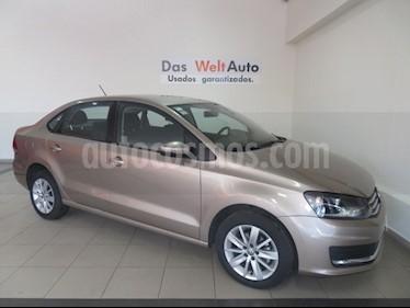 Foto venta Auto usado Volkswagen Vento Comfortline (2018) color Beige Metalico precio $216,923