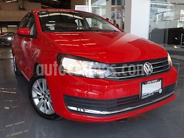 Foto venta Auto usado Volkswagen Vento Comfortline (2018) color Rojo Flash precio $209,000