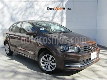 Foto venta Auto Seminuevo Volkswagen Vento Comfortline (2018) color Marron precio $210,000