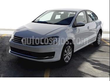 Foto Volkswagen Vento Comfortline usado (2018) color Blanco precio $261,200