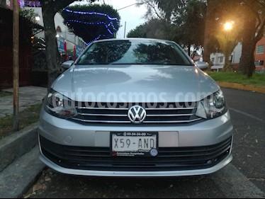 Foto Volkswagen Vento Highline Aut usado (2017) color Plata precio $167,500