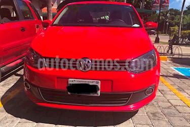 Foto venta Auto Seminuevo Volkswagen Vento Highline Aut (2014) color Rojo precio $128,000