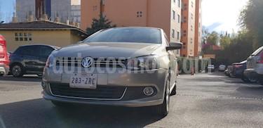 Foto Volkswagen Vento Highline usado (2014) color Beige Metalico precio $145,000