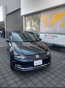 Foto venta Auto Seminuevo Volkswagen Vento Highline (2017) color Gris Carbono precio $235,000