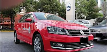 Foto venta Auto usado Volkswagen Vento Highline (2019) color Rojo Flash precio $235,000