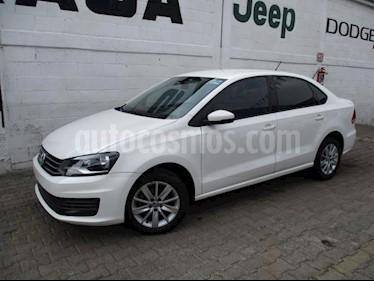 Foto Volkswagen Vento 4p Confortline L4/1.6 Aut usado (2017) color Blanco precio $165,000