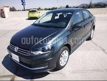 Volkswagen Vento Comfortline usado (2019) color Gris precio $215,000