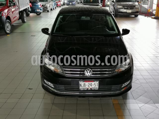 Volkswagen Vento 4P HIGHLINE AT CLIMATRONIC VE F.NIEBLA RA-16 usado (2019) color Negro precio $210,000